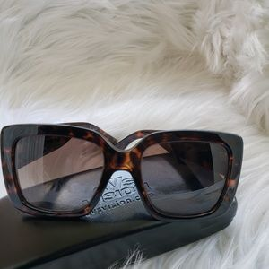 AUTHENTIC Gucci oversized square Tortoise glasses